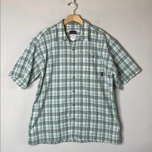 Patagonia Men's Plaid Casual Button Up Shirt